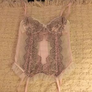 Victoria's Secret 34B corset in excellent cond